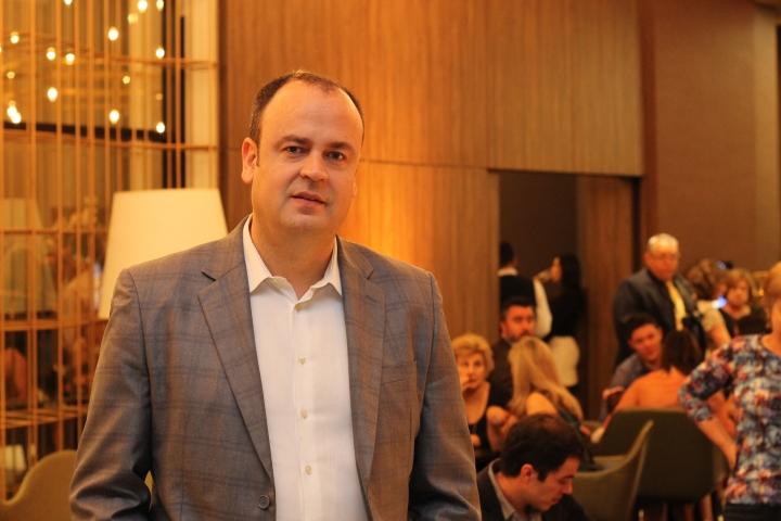 Cesar Nunes lembra trajetória e fala sobre as dinâmicas de Vendas no mercado hoteleiro