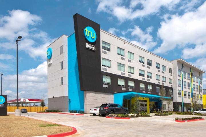 Grupo Hilton chega a marca de cinco mil hotéis pelo mundo e segue plano de expansão