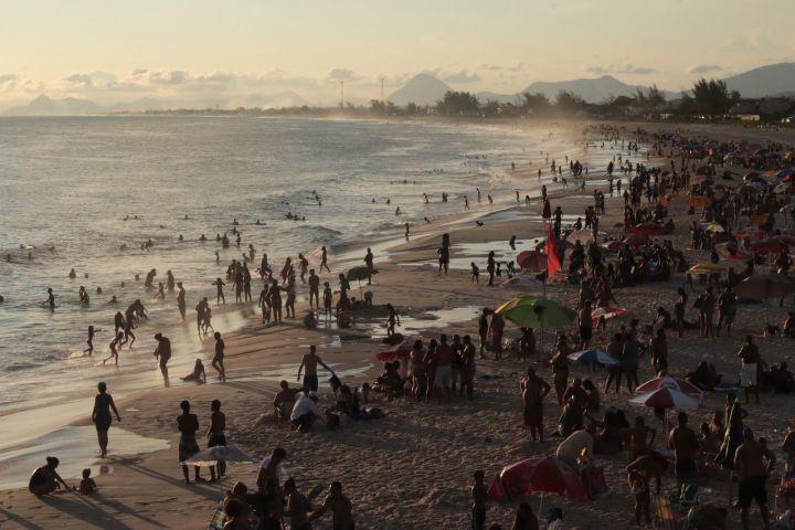 Serviços de praia - liberação no Rio_capa