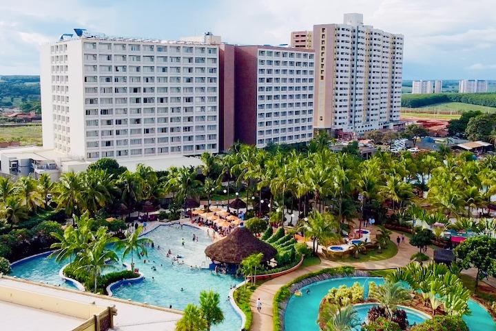 Hot Beach Resort - in loco - capa