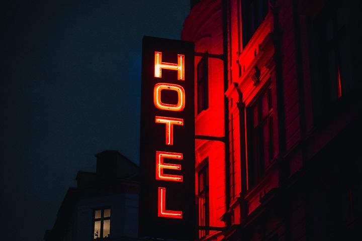 GlobalData - hotéis econômicos - retomada