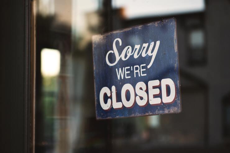 hotéis fechados - capa