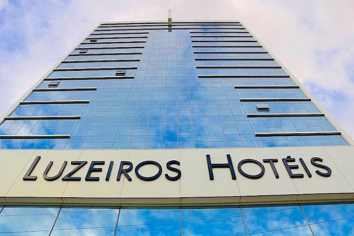 luzeiros hotéis - retomada - capa