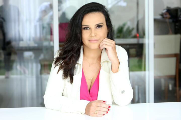 Elaine Campos