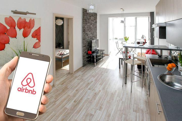 Hotel Trends - Felipe Marcondes_Airbnb_capa