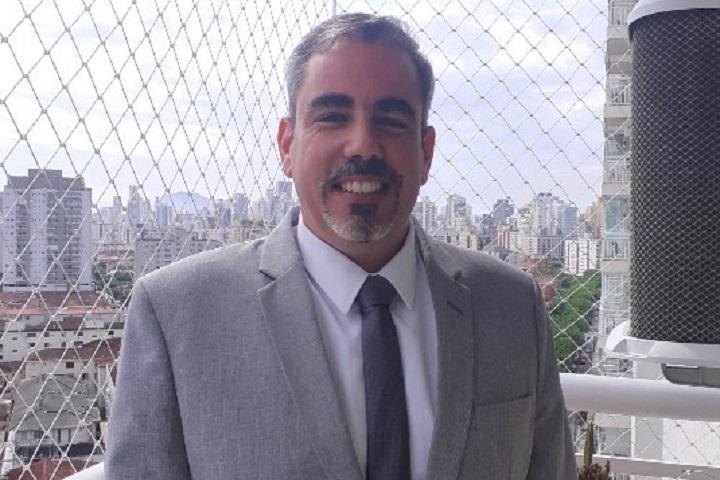 Jose Enrique Bertini - lobby - radisson paulista jpg